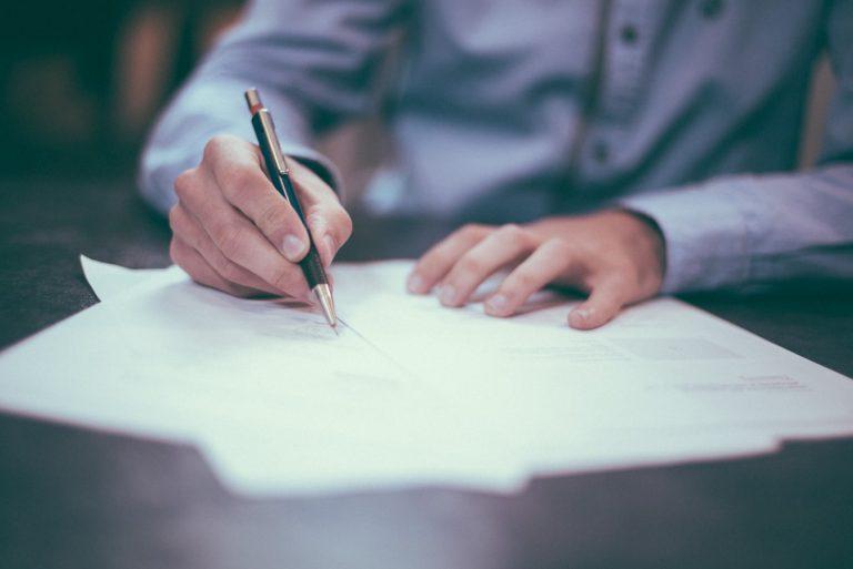 ventajas de contratar abogado inmigración